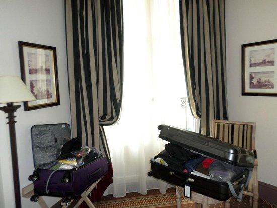 Best Western Premier Trocadero La Tour: Superior Room