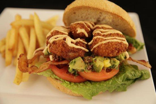 Caribbean Saloon : Fried Shrimp Sandwich