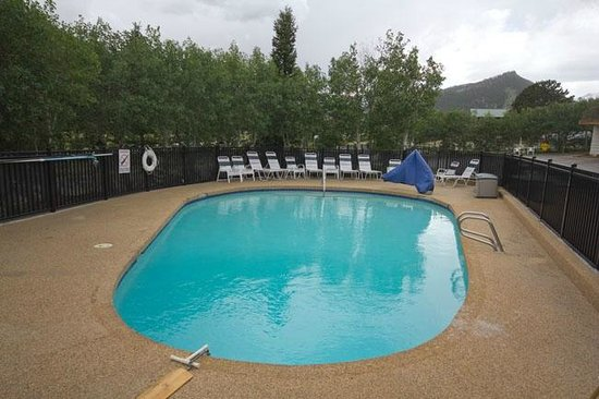 Alpine Trail Ridge Inn: Pool
