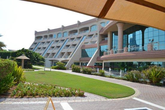Al Raha Beach Hotel: Hotel