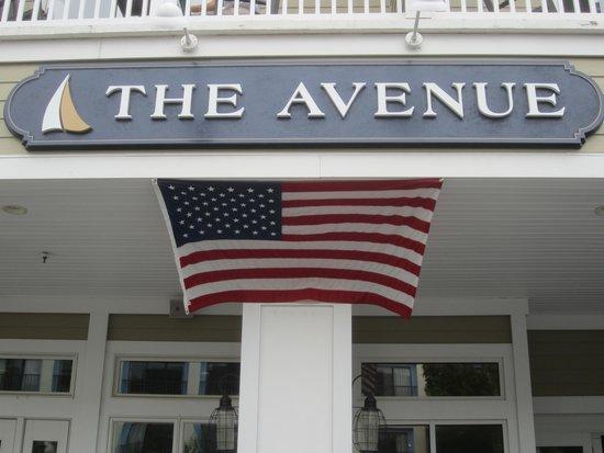 Avenue Inn & Spa: Avenue sign