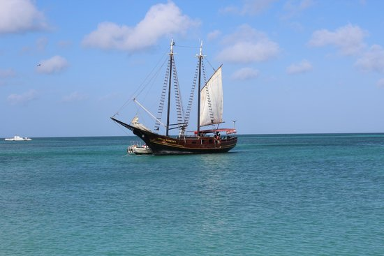 Holiday Inn Resort Aruba - Beach Resort & Casino: Jolly Pirates -- highly recommended