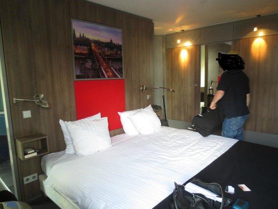 Apart Hotel Randwyck: Wonderful bed