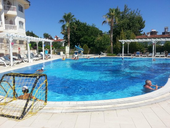 Sultan's Beach Hotel : бассейн