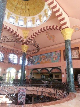 Sultan's Beach Hotel : холл
