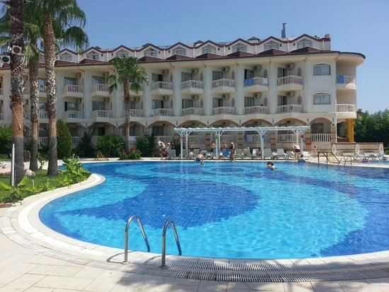 Sultan's Beach Hotel : бассейн при отеле