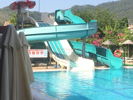 Julian Club Hotel: The only slides