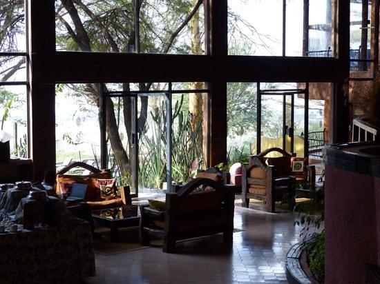 Ngorongoro Sopa Lodge : seating area