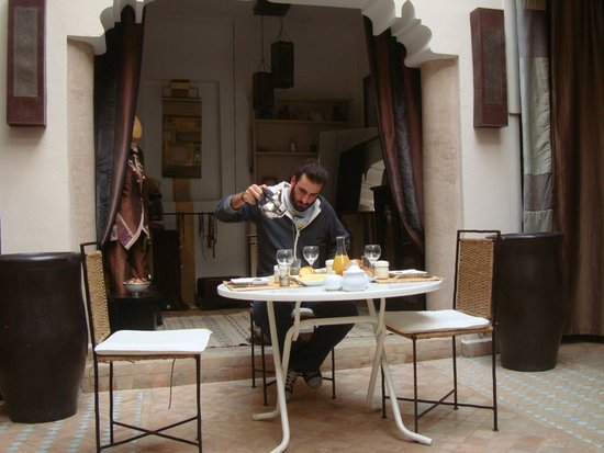 Riad 5 Sens : Breakfast
