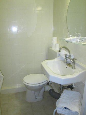 Hôtel du Château: Baño