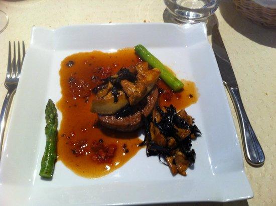 Au Trotthus : Veau très très tendre et foie gras poêlé exquis !