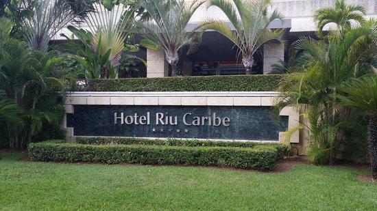 Hotel Riu Caribe : Entrada al Riu Caribe