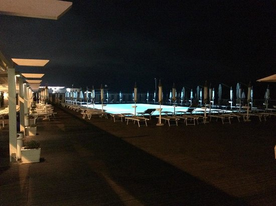 Conte Di Savoia: La piscina