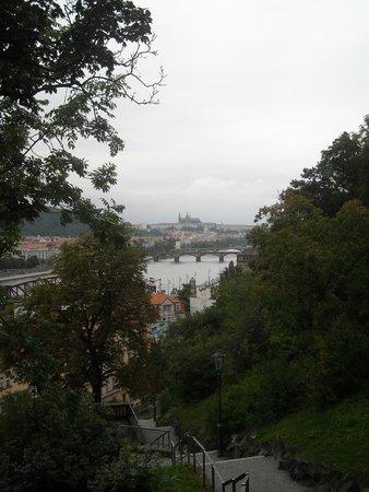 Vyšehrad : Вид на Пражский Град со стен Вышеграда