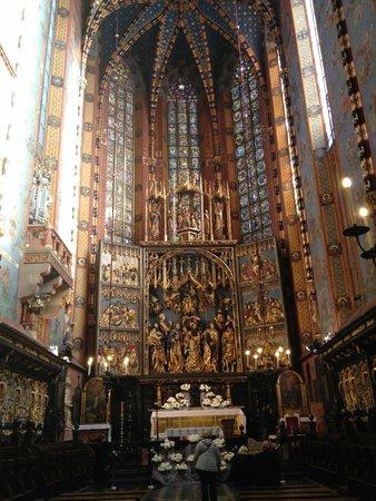 Basilique Sainte-Marie : The altarpiece