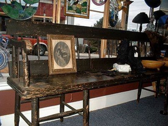 BELL Treasures: Trolley Bench---a beauty!!