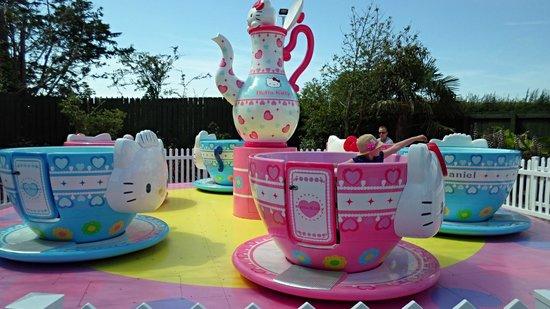 Drusillas Park: tea cups