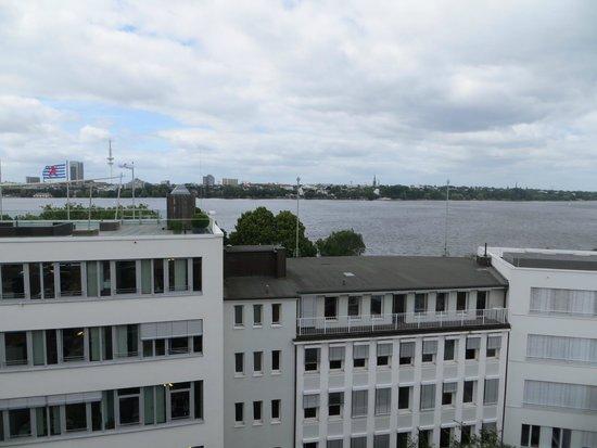 The George Hotel: Aussicht auf den Alster