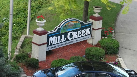 Mill Creek Hotel : Mill Creek