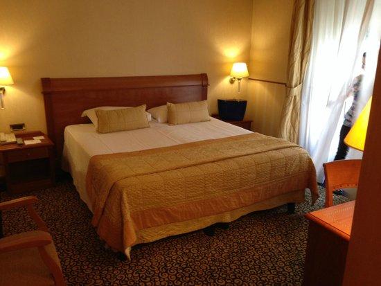 Hotel Dei Cavalieri: Letto King Size