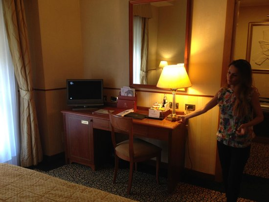 Hotel Dei Cavalieri: Scrivania