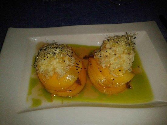 Restaurante Ruta del Veleta: laminas de mango con queso y anchoas