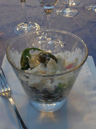 Restaurante Ruta del Veleta: tapa una ensalada de frutas