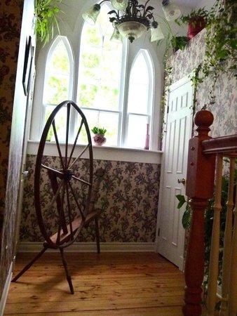 Innisfree Bed and Breakfast: spinning wheel in hallway
