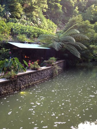 Quinta da Mo: Private grilling and dining area situated on the waterway...so relaxing.