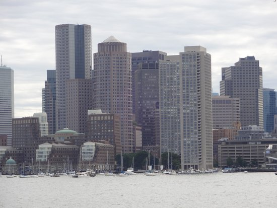 Boston Harbor Cruises : View from the Harbor Up Close