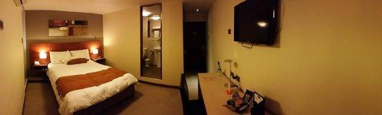 SM Hotel & Business: Junior Suite