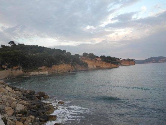 Victoria Garden La Ciotat Appart'hotel : Подход к морю