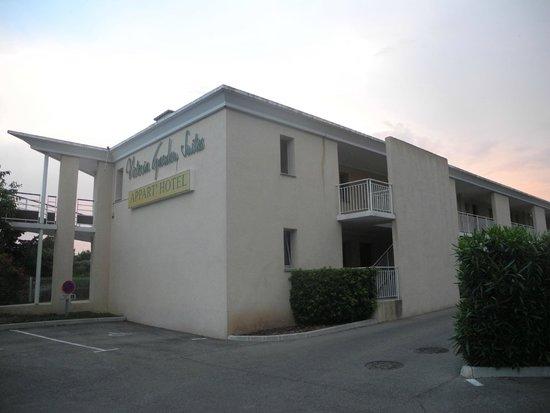 Victoria Garden La Ciotat Appart'hotel : Здание отеля