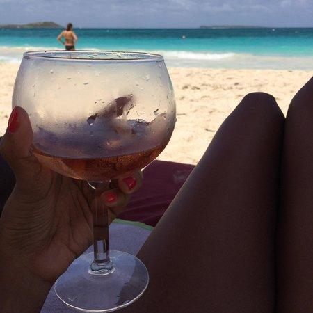 Waikiki: Verre de rosé sur le transat