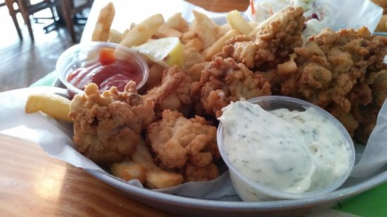 Captain Curt's Crab & Oyster Bar: fried oyster basket