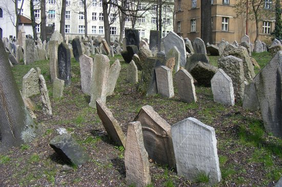 Old Jewish Cemetery: Cimitero ebraico