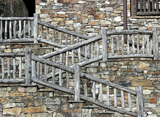 Lake Rabun Hotel & Restaurant : Interesting rough-hewn stairway at the Pavilion at Lake Rabun, a 2-minute walk (or less) from ho