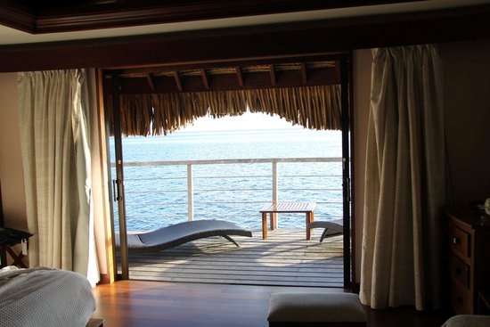 Manava Beach Resort & Spa - Moorea: view from room to ocean