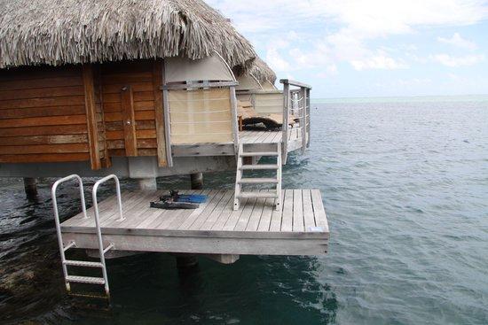 Manava Beach Resort & Spa - Moorea: bathroom sink area