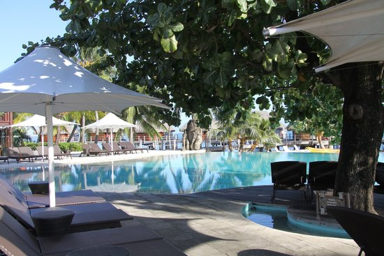 Manava Beach Resort & Spa - Moorea: grounds 2