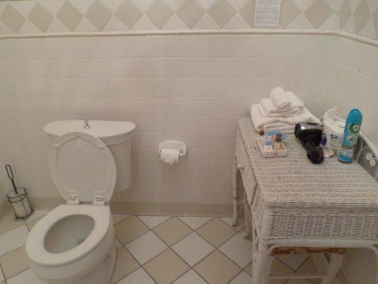 La Reserve Center City Bed and Breakfast: Grande Dame Bathroom
