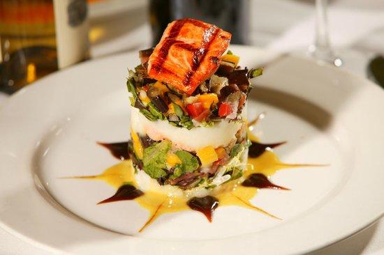 Parkway Grill: Tiki Salad