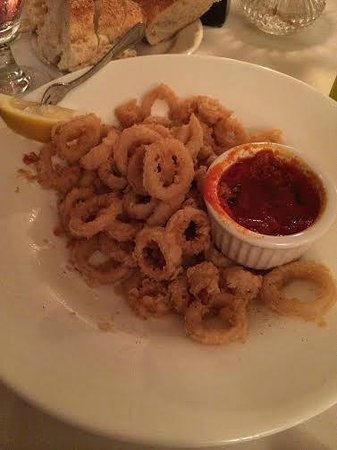 Dante & Luigi's: Fried Calamari drenched in oil without any seasoning