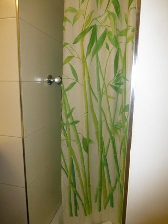 Hotel Stern Luzern: Shower