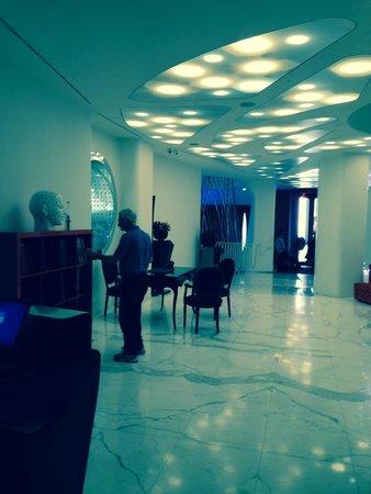 Boscolo Milano, Autograph Collection : Lobby/Concierge desk