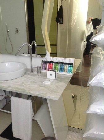 Boscolo Milano, Autograph Collection: Bathroom amenities, great selection