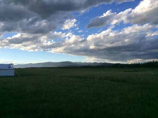 Yellowstone Under Canvas : View from tent