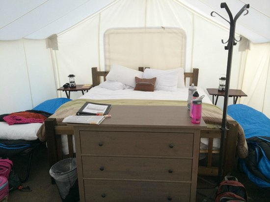Yellowstone Under Canvas : Inside Safari Tent