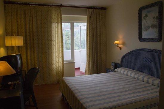HLG Gran Hotel Samil: Room.