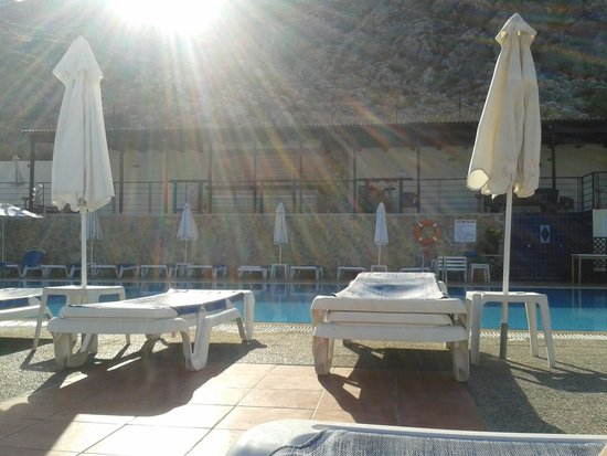 Lindos Horizon: A sunny day by the pool